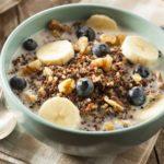breakfast-zavtrak-miusli-chernika-banany
